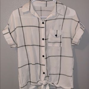 Black and white button up short sleeve blouse